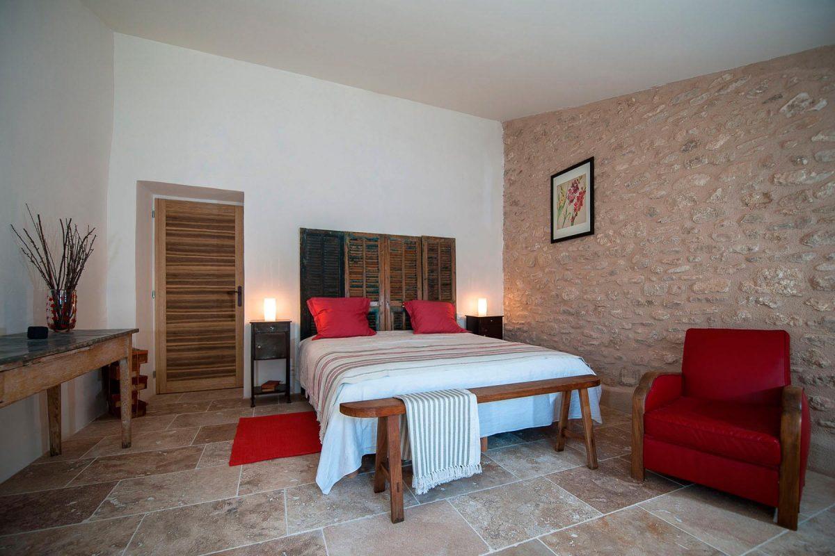 chambre d 39 hotes dans le luberon bonnieux pr s de pertuis en provence. Black Bedroom Furniture Sets. Home Design Ideas